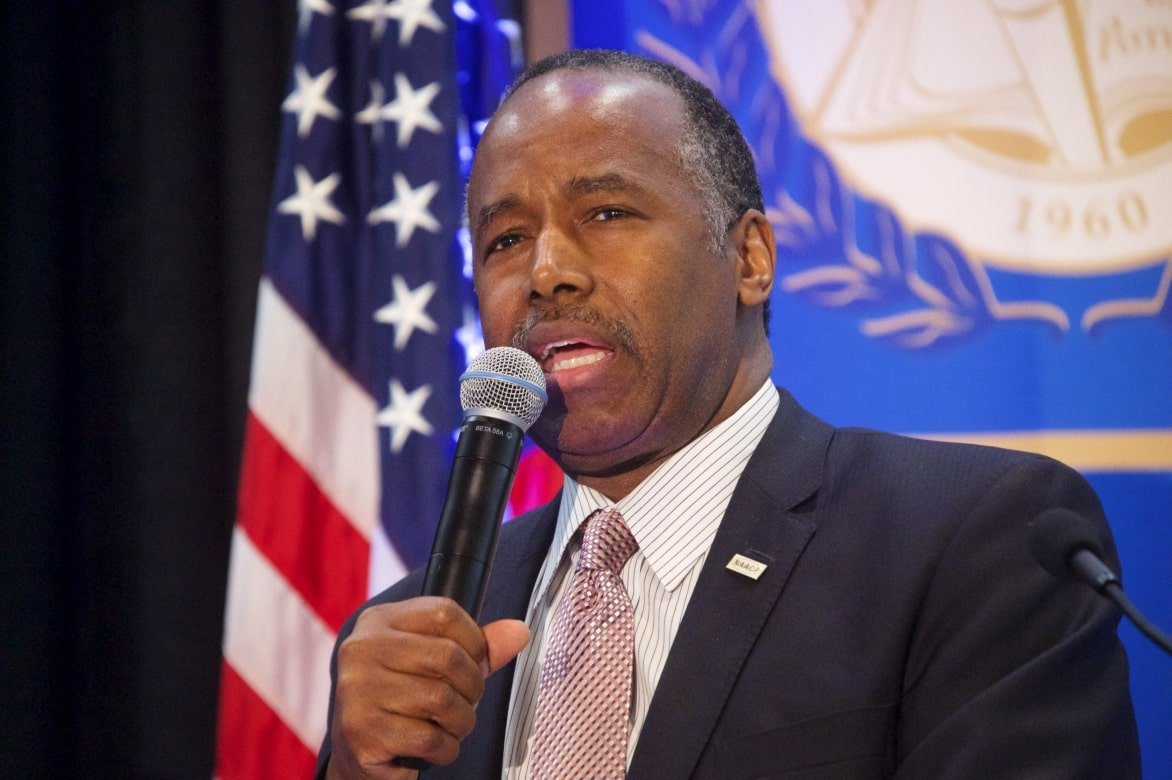 HUD Secretary Thinks Public Housing Residents Should Make Their Own Repairs | Ark Republic